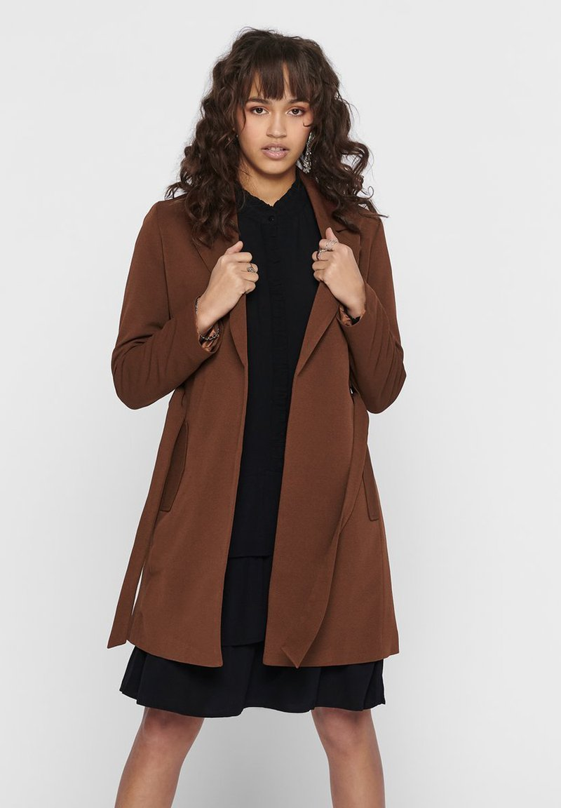 ONLY - MANTEL GESTREIFTER, DRAPIERTER - Trench - toffee