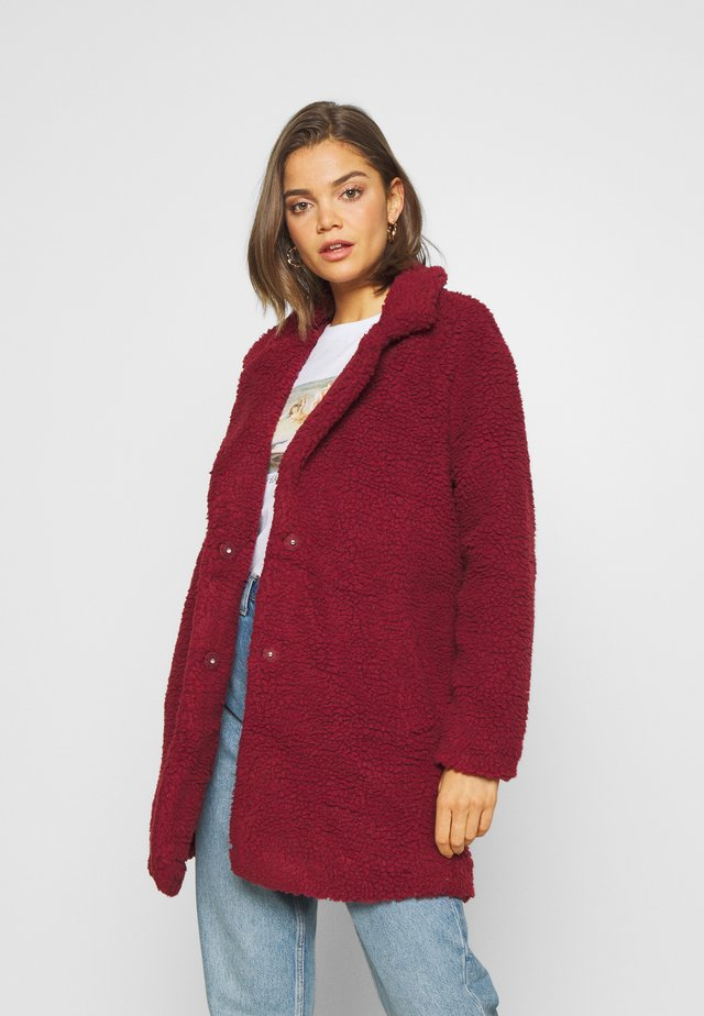ONLAURELIA COAT - Abrigo corto - pomegranate