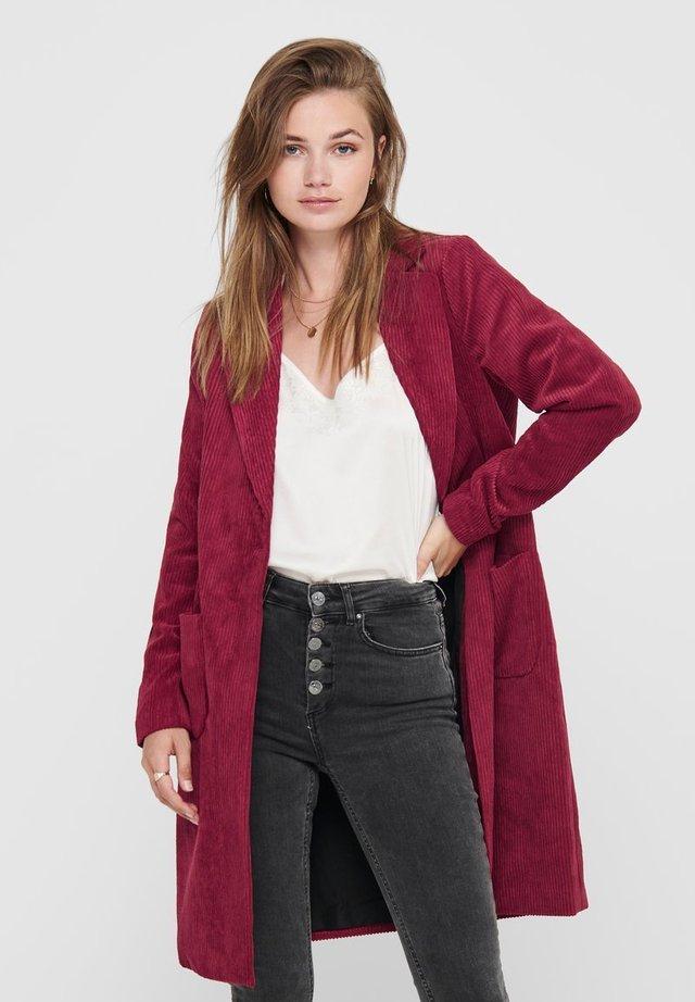 Abrigo corto - rhubarb