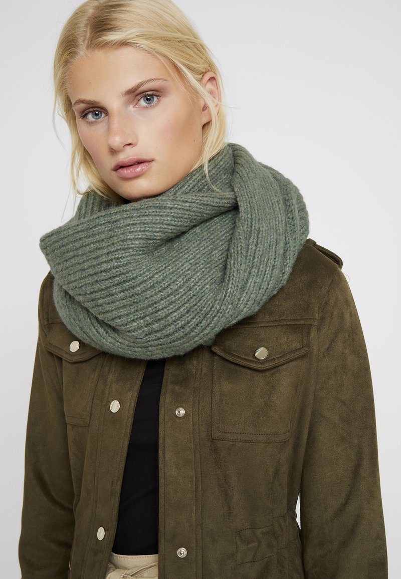 ONLY - ONLCINDY SCARF - Scarf - chinois green