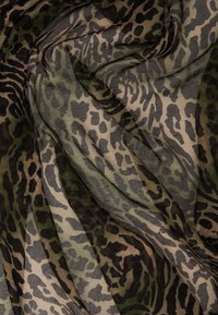 ONLY - ONLWILD LIFE SCARF - Skjerf - olive - 1