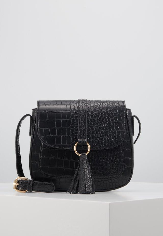 ONLPAMELA SNAKE SADDLEBACK  - Across body bag - black