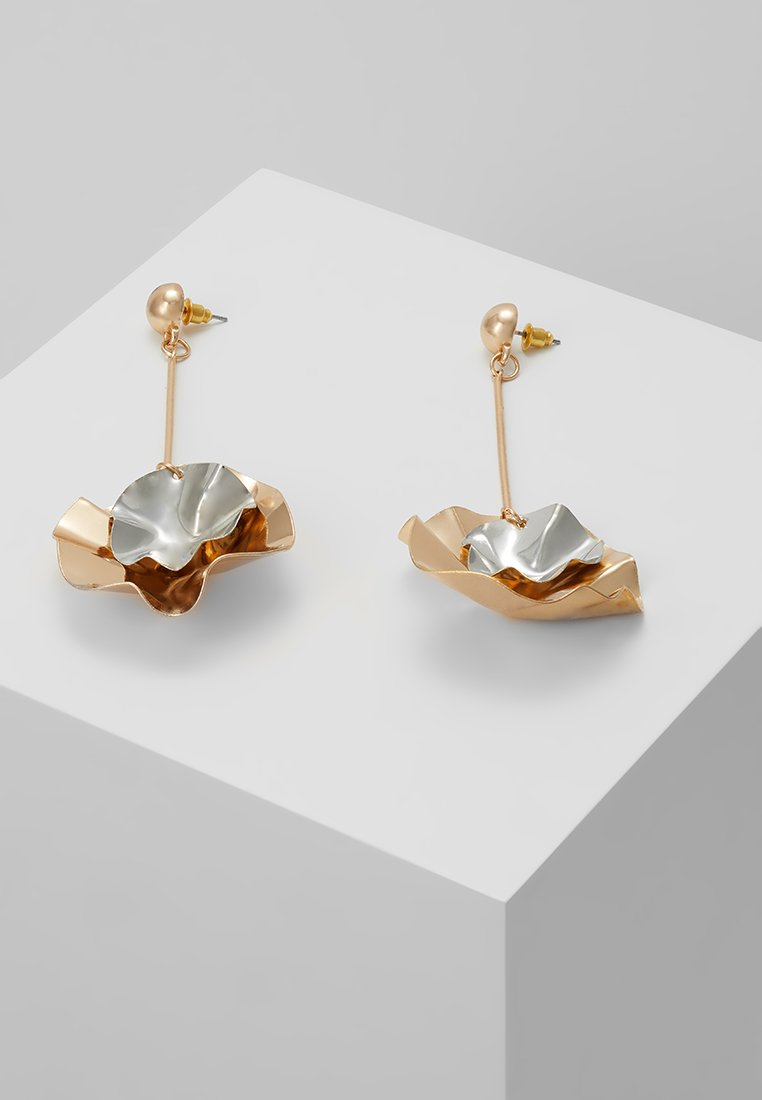ONLY - ONLKIRA SCULPTURAL EARRINGS  - Earrings - gold-coloured/silver-coloured