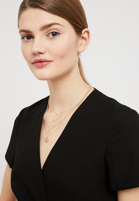 ONLY - ONLKENNA NECKLACE - Necklace - gold-coloured - 1