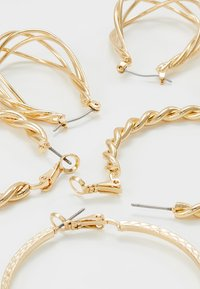ONLY - ONLCIRINA EARRRING 3 PACK - Korvakorut - gold-coloured - 2
