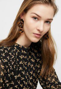 ONLY - ONLMERTIE EARRING 3 PACK - Örhänge - gold-coloured/brown - 1