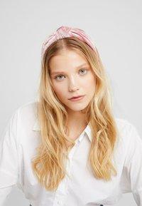 ONLY - Akcesoria do stylizacji włosów - blush/gold-coloured - 1