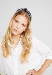 ONLY - Accessoires cheveux - indigo/gold-coloured - 1