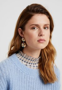 ONLY - Earrings - gold-coloured/blue/red/white - 1