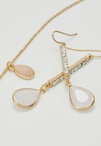 ONLY - ONLCACIA NECKLACE AND EARRING SET - Kolczyki - gold-coloured - 4