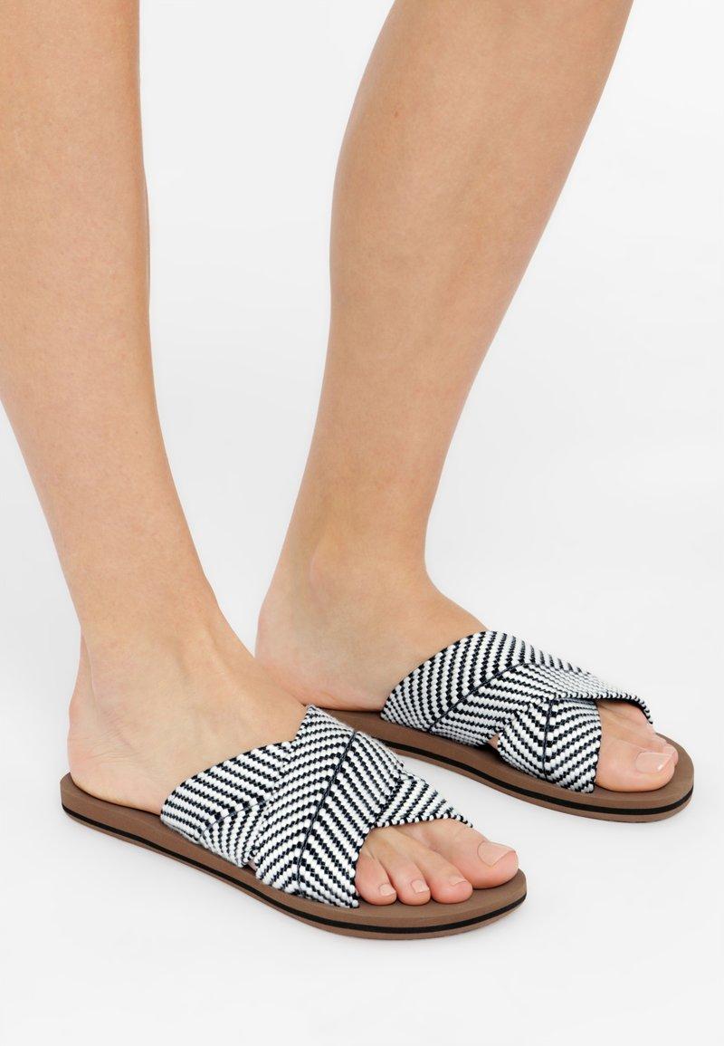 O'Neill - Sandales de bain - schwarz