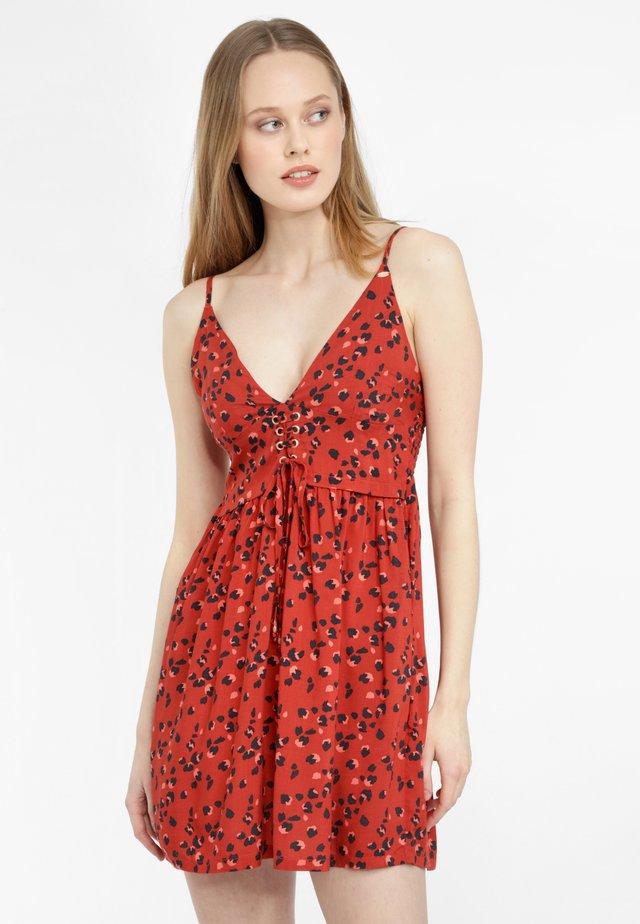 TOLOWA - Korte jurk - rot print