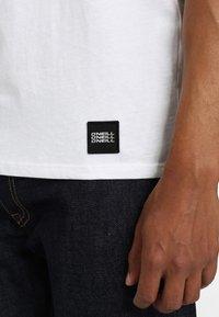 O'Neill - FULLER - T-shirt print - super white - 4