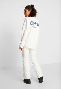 O'Neill - BLESSED PANTS - Pantalón de nieve - powder white - 2