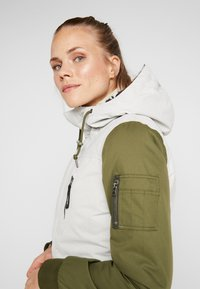O'Neill - CYLONITE JACKET - Snowboardová bunda - opaline - 3