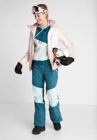 O'Neill - APLITE JACKET - Snowboard jacket - bridal rose - 1