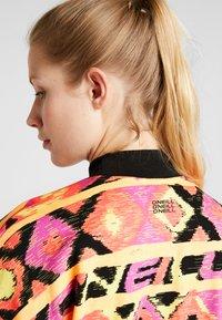 O'Neill - FROZEN WAVE CREW - Sweatshirt - red/black - 4