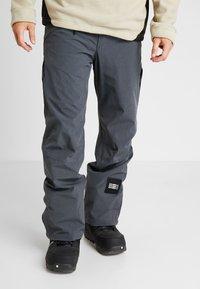 O'Neill - QUARTZITE PANTS - Zimní kalhoty - asphalt - 0