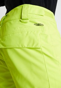 O'Neill - HAMMER PANTS - Talvihousut - lime punch - 3