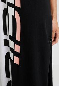 O'Neill - RACERBACK - Robe en jersey - black/white - 5