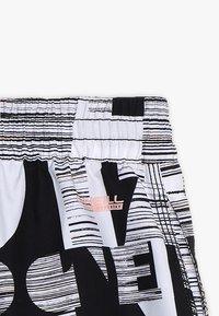 O'Neill - STRIKE OUT SHORTS - Shorts da mare - black/white - 5