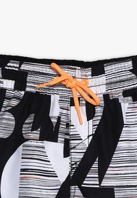 O'Neill - STRIKE OUT SHORTS - Shorts da mare - black/white - 3