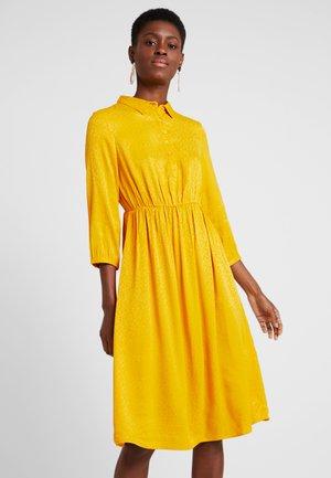 DRESS - Skjortekjole - golden glow