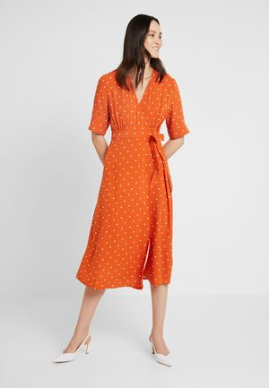 DRESS - Korte jurk - earth red