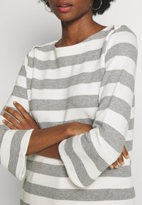 one more story - Long sleeved top - silver grey - 5