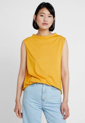 T-Shirt print - golden glow