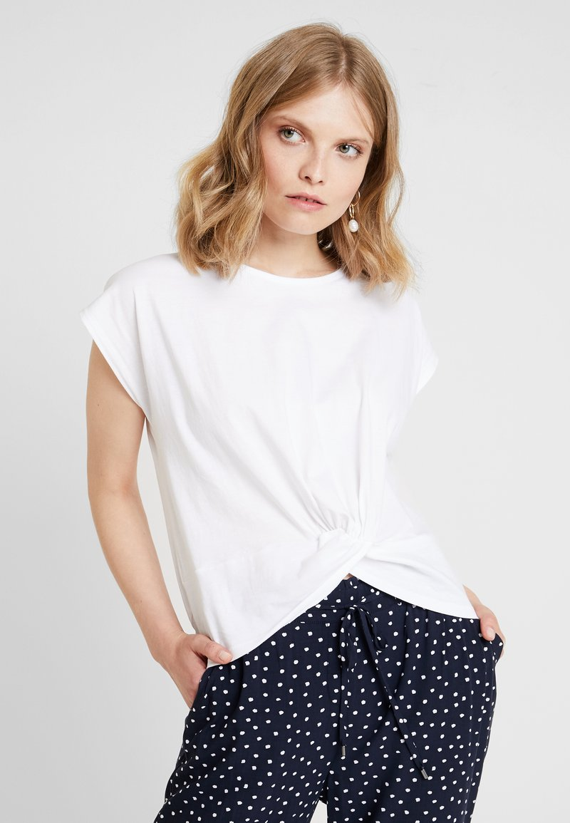 one more story - T-shirt med print - white
