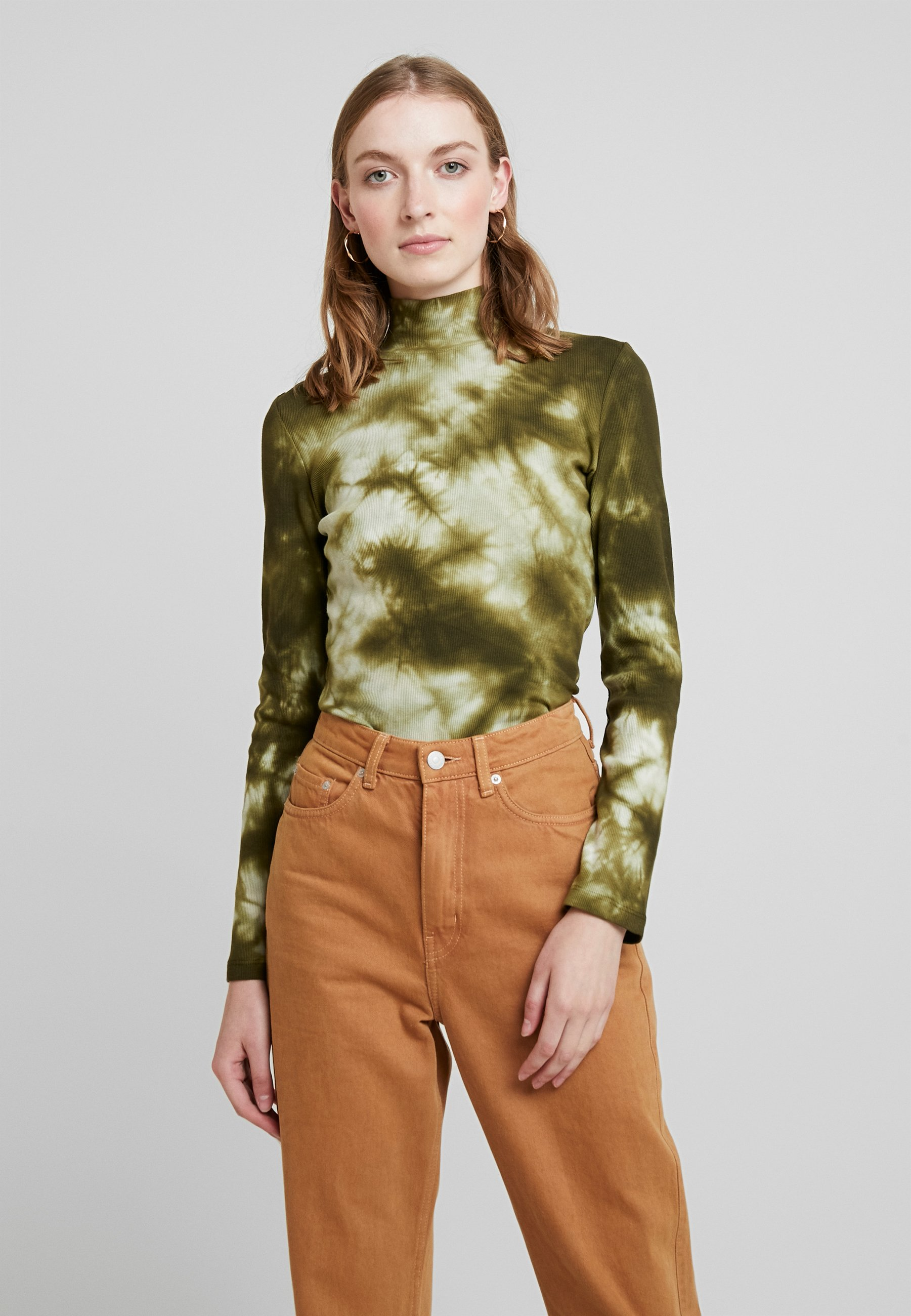 T shirt More One Story Olive À Manches LonguesMilitary nX80wOPk