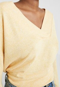 one more story - Long sleeved top - yellow - 4