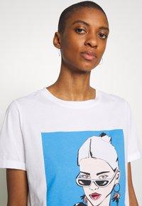 one more story - Print T-shirt - white - 3