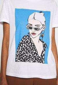 one more story - Print T-shirt - white - 5