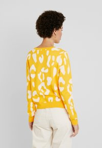 one more story - Jumper - yellow - 2