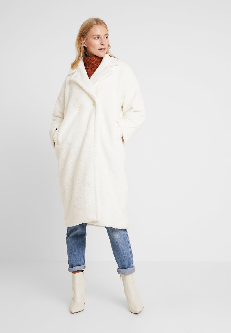 one more story - COAT - Kappa / rock - offwhite