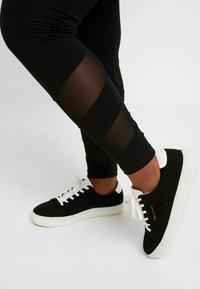 ONLY Carmakoma - CARMESSIA  - Leggings - black - 3