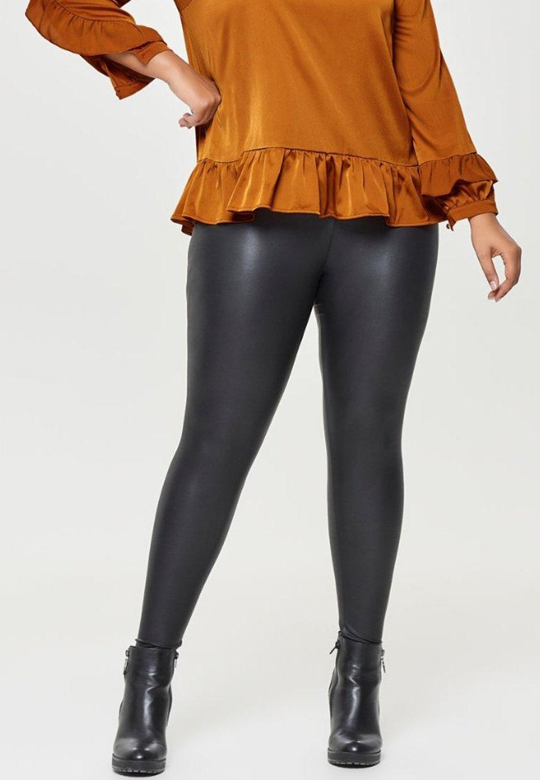 ONLY Carmakoma - Leggings - black