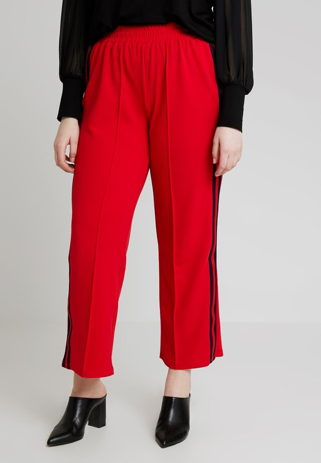 CARGAMMA PANTS - Tracksuit bottoms - high risk red