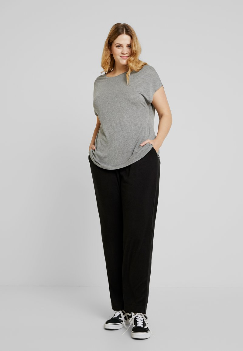 ONLY Carmakoma - CARCOZYNESS LONG PANT - Bukser - black