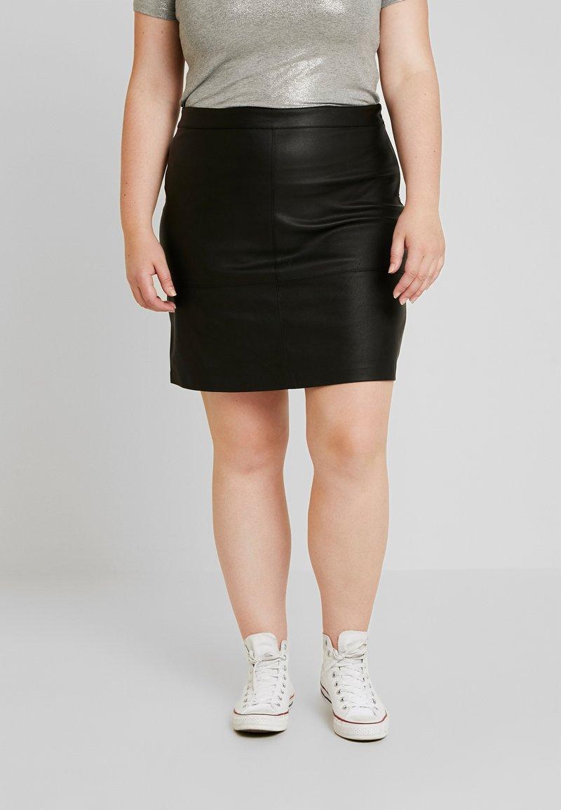 ONLY Carmakoma - CARDIEGO  SKIRT ESS - Mini skirt - black