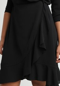 ONLY Carmakoma - CARNUT 3/4 WRAP DRESS SOLID - Day dress - black - 4