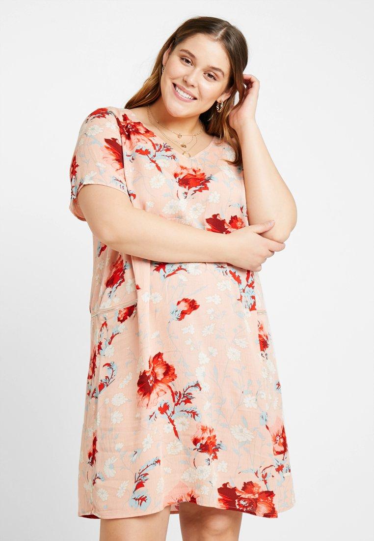 ONLY Carmakoma - CARFLORA ZINNIA DRESS - Vestito estivo - misty rose