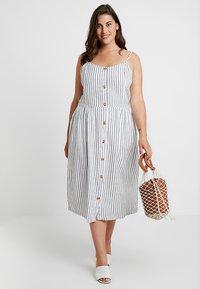 ONLY Carmakoma - CARUNA STRAP STRIPE DRESS - Skjortklänning - white/blue - 2