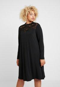 ONLY Carmakoma - CARKAYA KNEE DRESS - Vestido ligero - black - 0