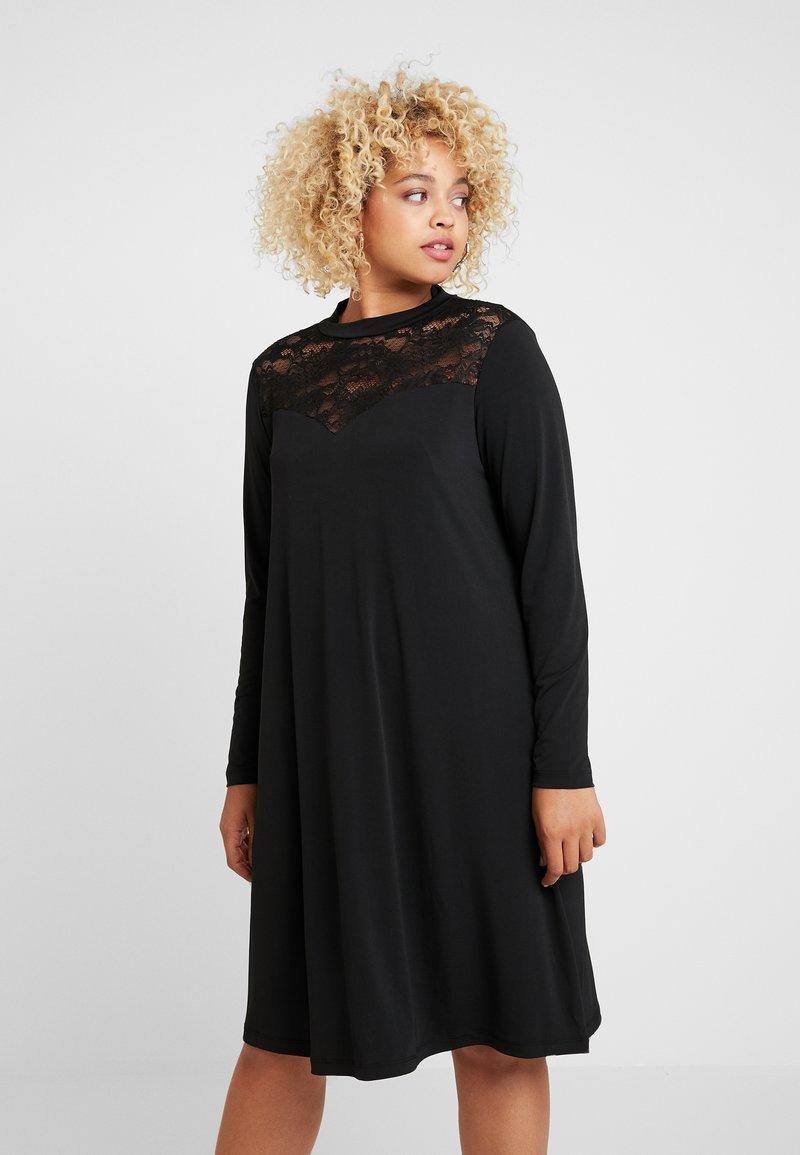 ONLY Carmakoma - CARKAYA KNEE DRESS - Vestido ligero - black