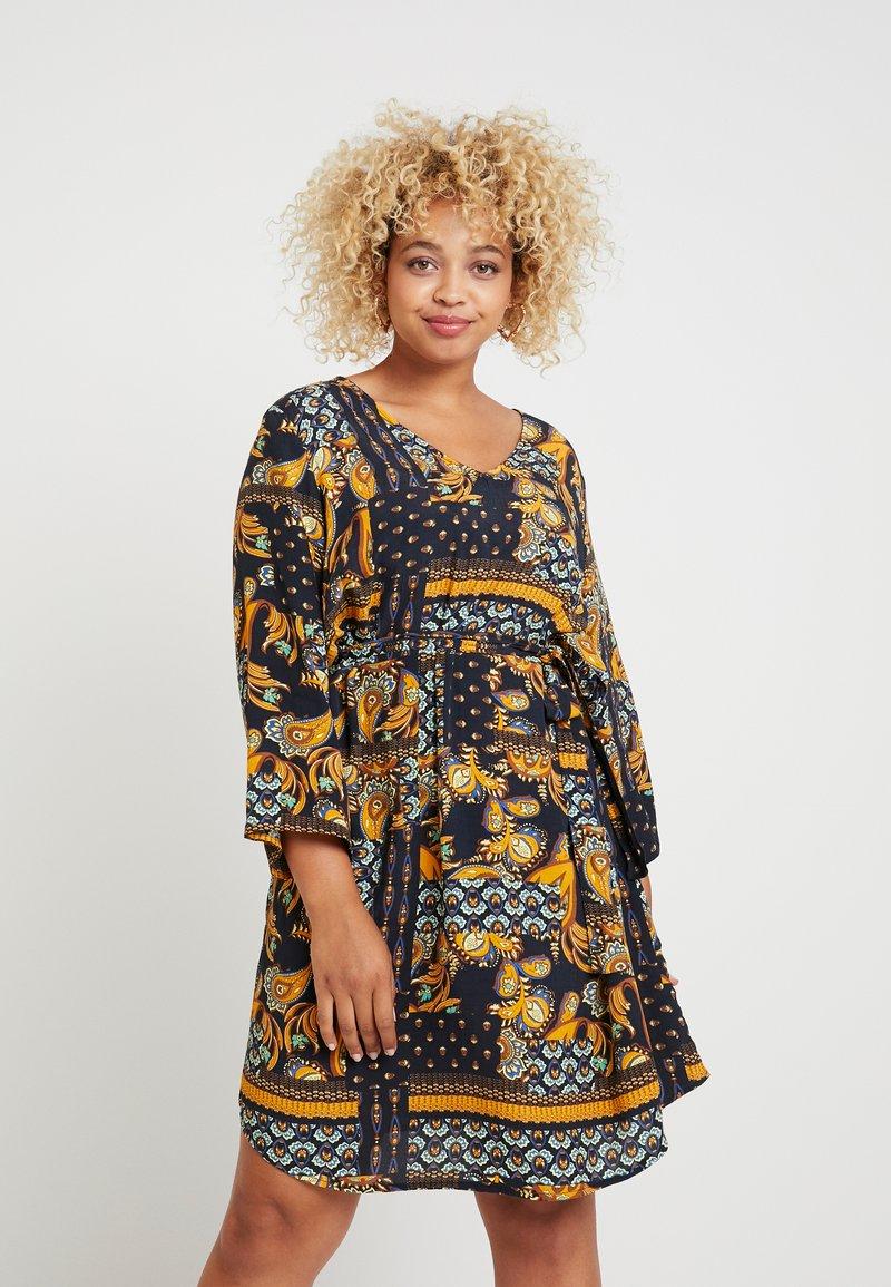 ONLY Carmakoma - CARMAEMALOU  DRESS - Korte jurk - black