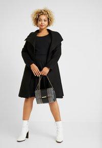 ONLY Carmakoma - CARFAVORITE KNEE DRESS - Jersey dress - black - 2
