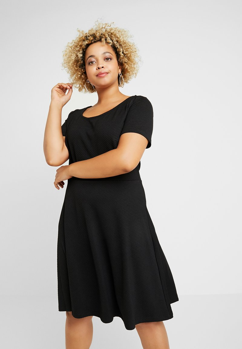 ONLY Carmakoma - CARFAVORITE KNEE DRESS - Jersey dress - black